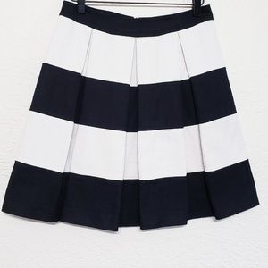 Boden pleated black and white cotton skirt sz 4